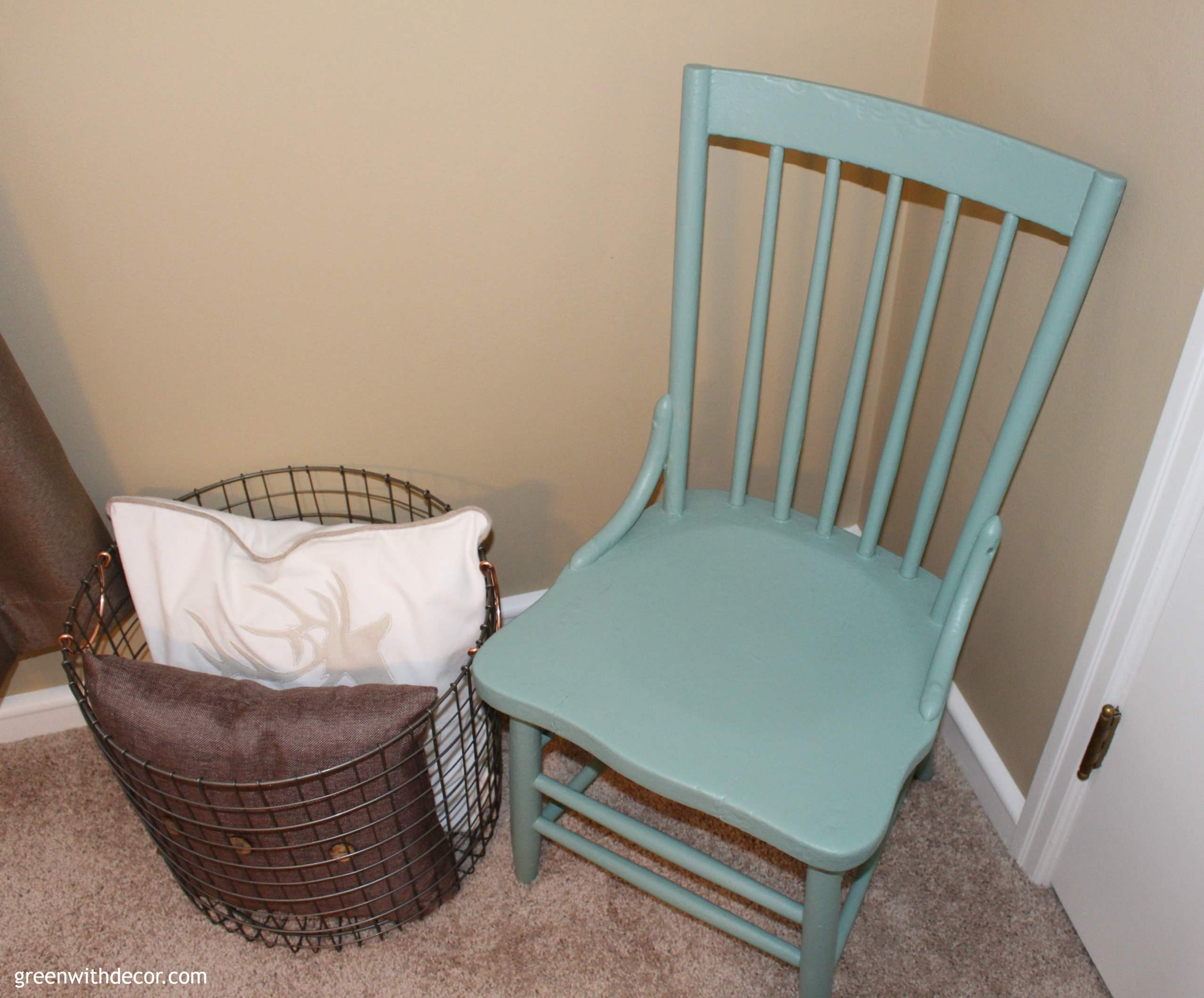Painting an old chair to give it a completely new look with Pittsburgh Paints' 2016 Color of the Year: Paradise Found. What a great, easy idea! | Green With Decor