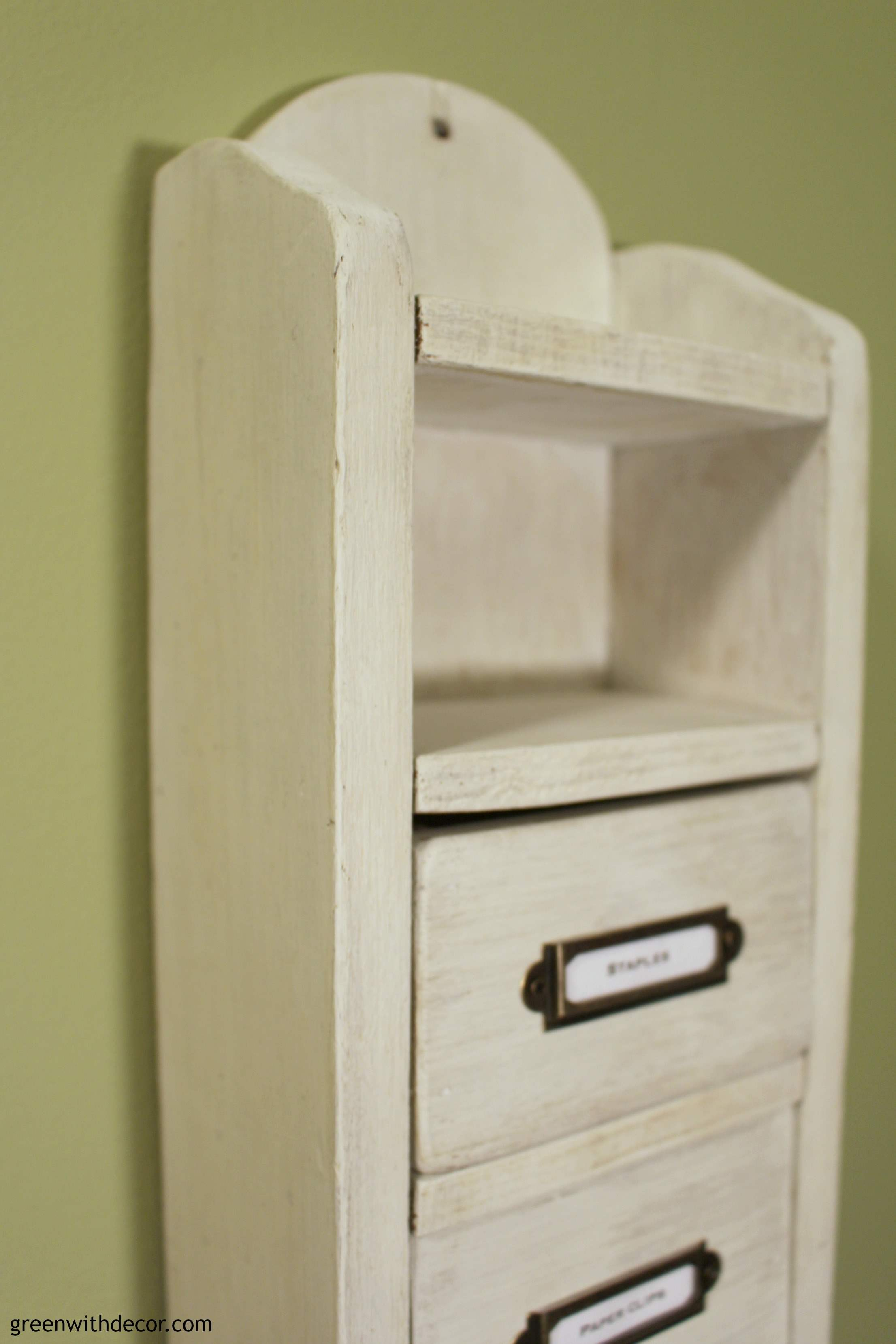 How to use chalk synthesis paint to makeover old drawers. What a cute little project! | Green With Decor