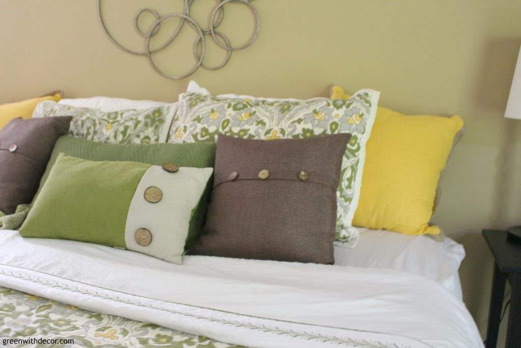 Set up your bedroom to get a good night's sleep. I'm always focused on decorating the bedroom but she has some easy ideas for making your bedroom an easy place to fall asleep! And I want those comfy pillows she talks about! | Green With Decor