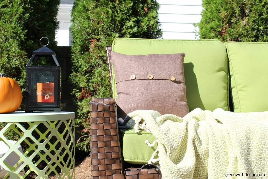 Love the fall patio! She has some great fall decorating ideas plus 18 other bloggers share their outdoor spaces all decked out for fall, too!