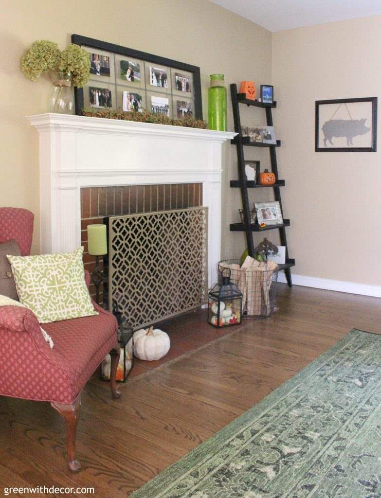 Great tips for choosing an area rug for the living room! Love these!