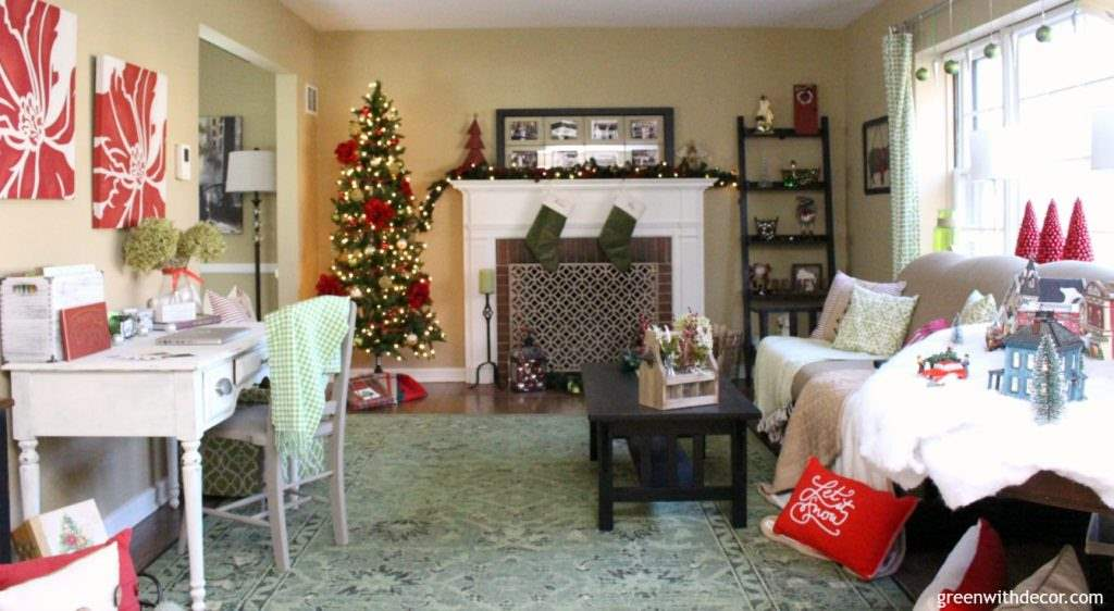 decorating the living room for christmas on a budget great budget friendly holiday decorating - Christmas Decorating Ideas For Foyer