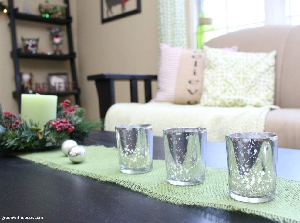Decorating The Living Room For Christmas On A Budget Great Friendly Holiday