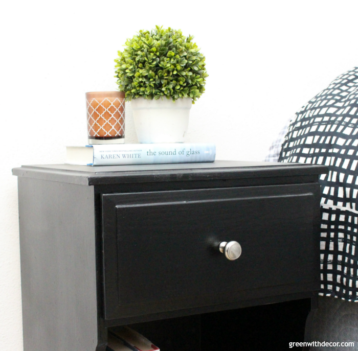 How to spray paint a nightstand the easy way. Such a simple way to give an old piece of furniture a whole new look without spending much. Definitely saving this so I can update some old furniture to give a room a new look!