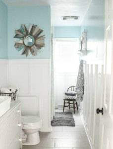 9 beautiful blue paint colors to get a costal look in the bathroom | get a beachy look in the bathroom | tips for picking paint colors | blue paint colors | blue bathrooms | coastal bathrooms