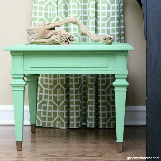 How to paint a table with a lot of trim detail, a detailed tutorial on using clay paint for a side table makeover. Love the pop of color!
