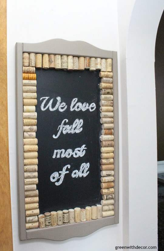Easy fall decorating ideas for the mudroom, living room, mantel and other areas of the house. Throw some pumpkins and fall colors around and call it a day! Plus this chalkboard message is such a fun fall quote!