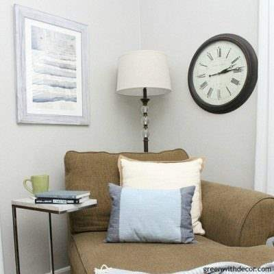 Make a throw pillow from placemats