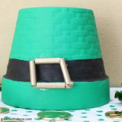 DIY St Patrick's Day leprechaun hat craft