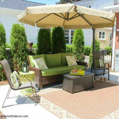 5 easy ways to add color to the patio. These are so fun! I want to finish decorating our patio now!