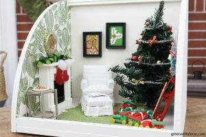 A miniature Christmas living room - these little dollhouse accessories are so cute and festive for Christmas!
