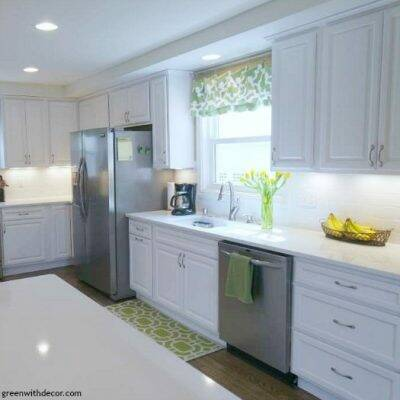 What's important when picking a kitchen faucet. Gorgeous white kitchen renovation!