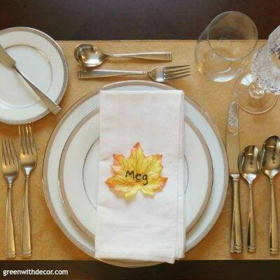 What a cute idea! An easy Thanksgiving place setting. Seriously, setting the table took longer than making these.