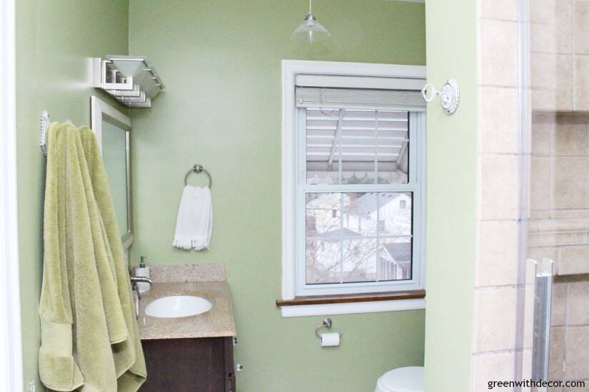 Easy ways to update a bathroom without renovating - if you can't afford a bathroom remodel or are renting, these are great tips for updating your bathroom! Update small things like towel hooks, light fixtures, rugs and more!