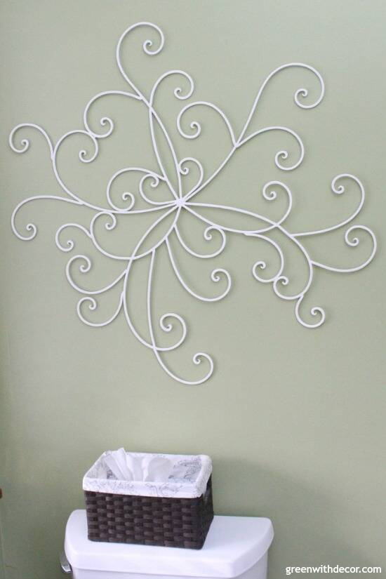 The easiest way to update metal wall decor - give it a coat of paint and move it to a new room for a new look! Such an easy decorating and DIY idea!