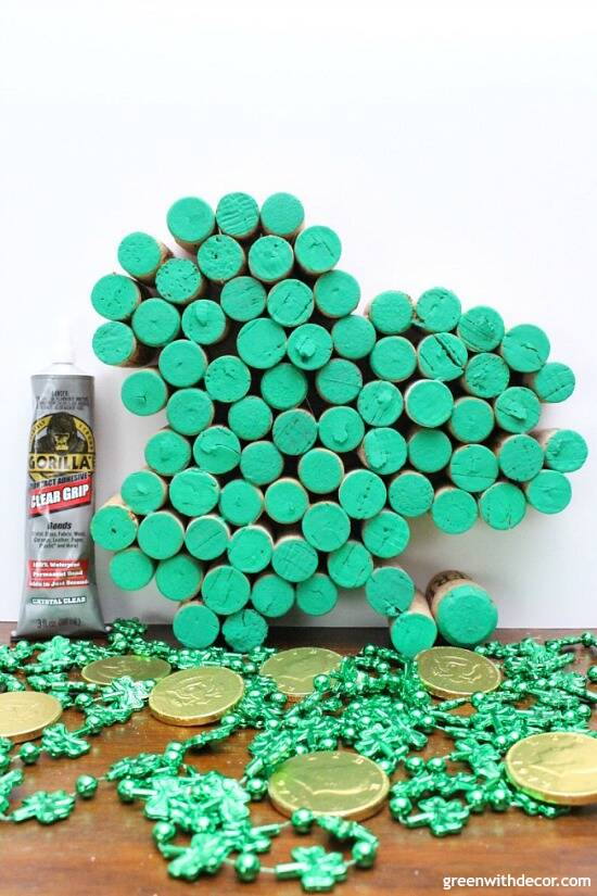 Make this easy DIY cork shamrock for St. Patrick's Day. Such a festive way to use old wine corks for the holiday, so cute!