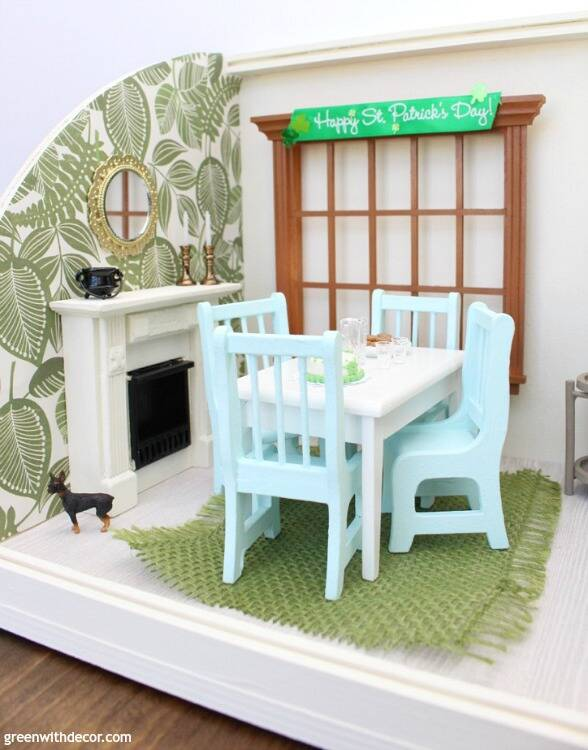 A miniature St. Patrick's Day dining room - easy ideas for dollhouse decorating especially for a holiday!