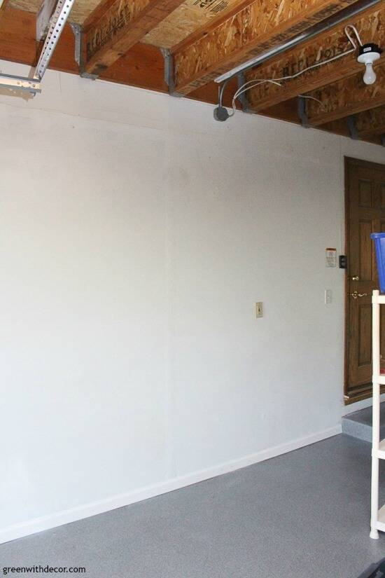 Painting garage walls with a paint sprayer – the after picture