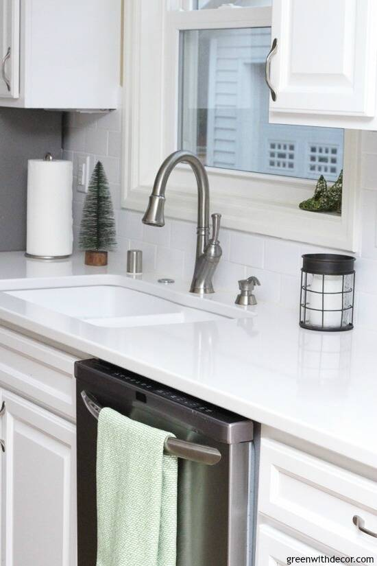 White kitchen with Christmas touches